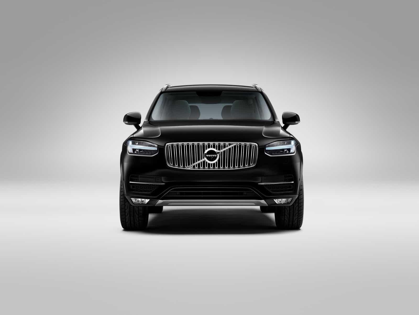 2015-Volvo-XC90-19