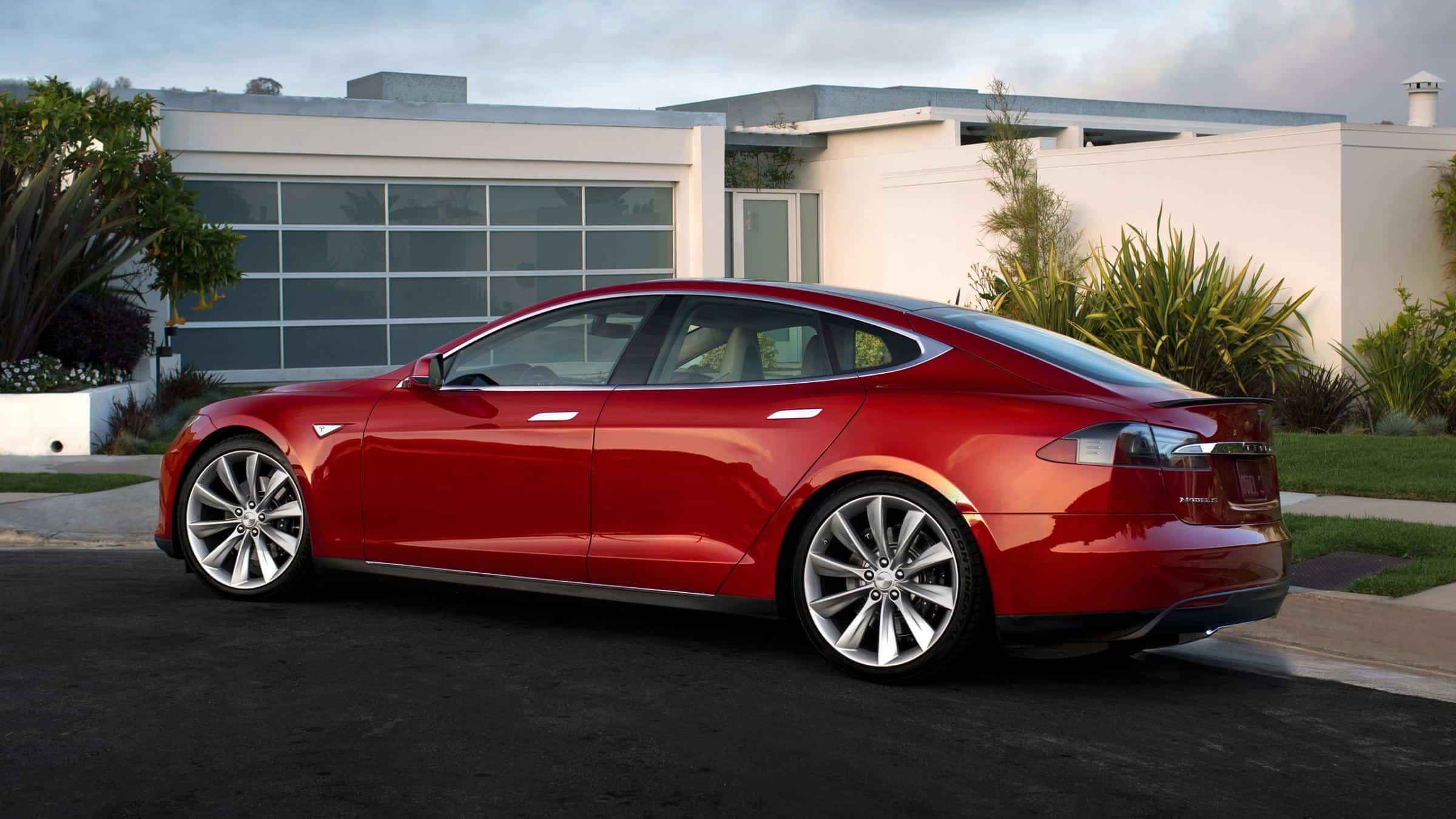 Tesla-Model-S-Red-inside-Picture