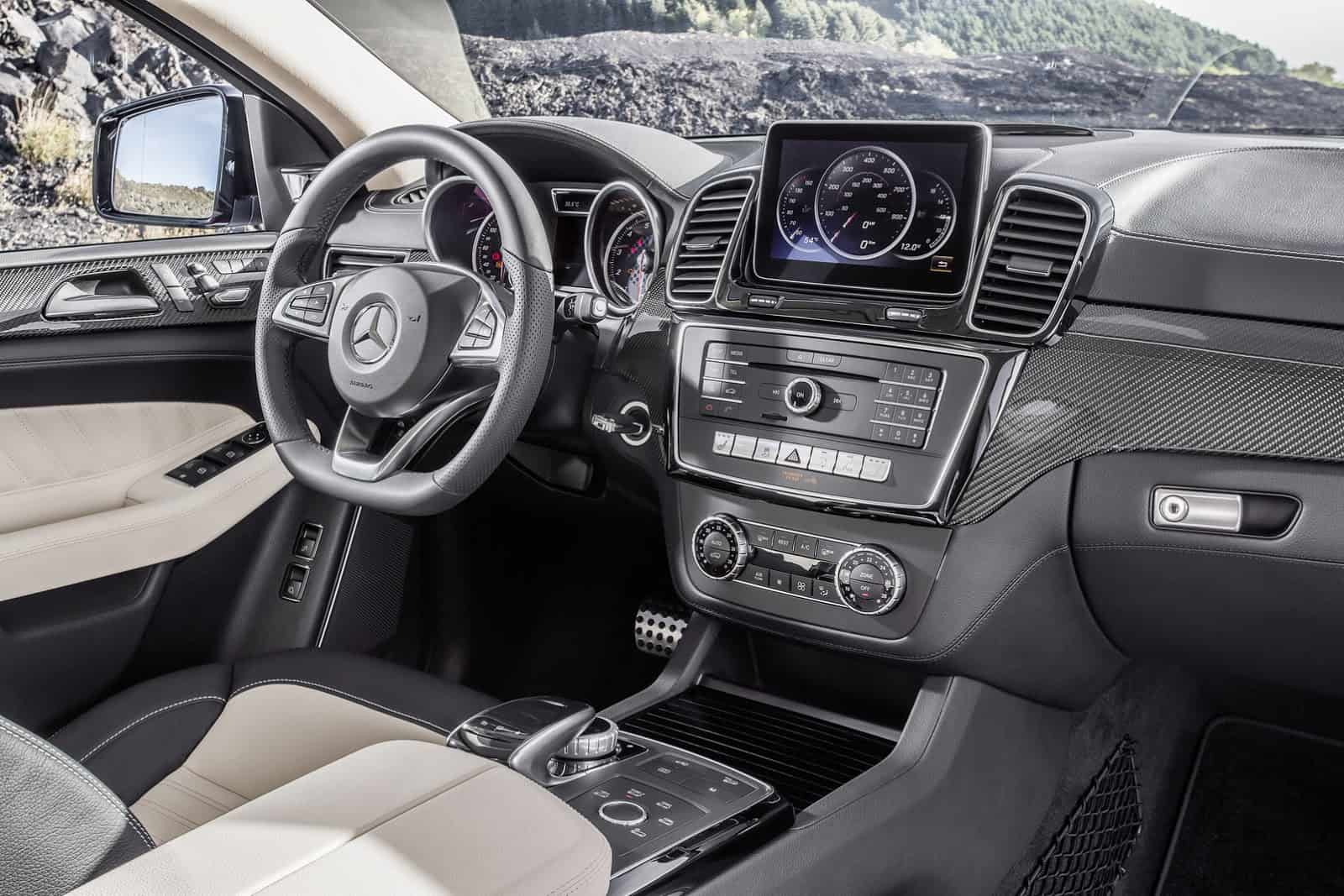 2016-Mercedes-Benz-GLE-Coupe-35