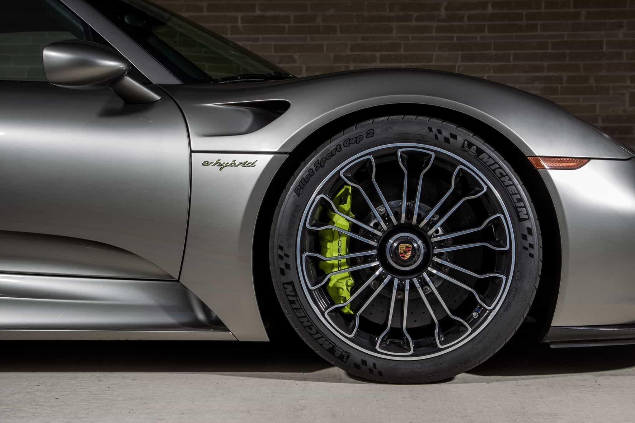 2015-Porsche-918-Spyder-wheels