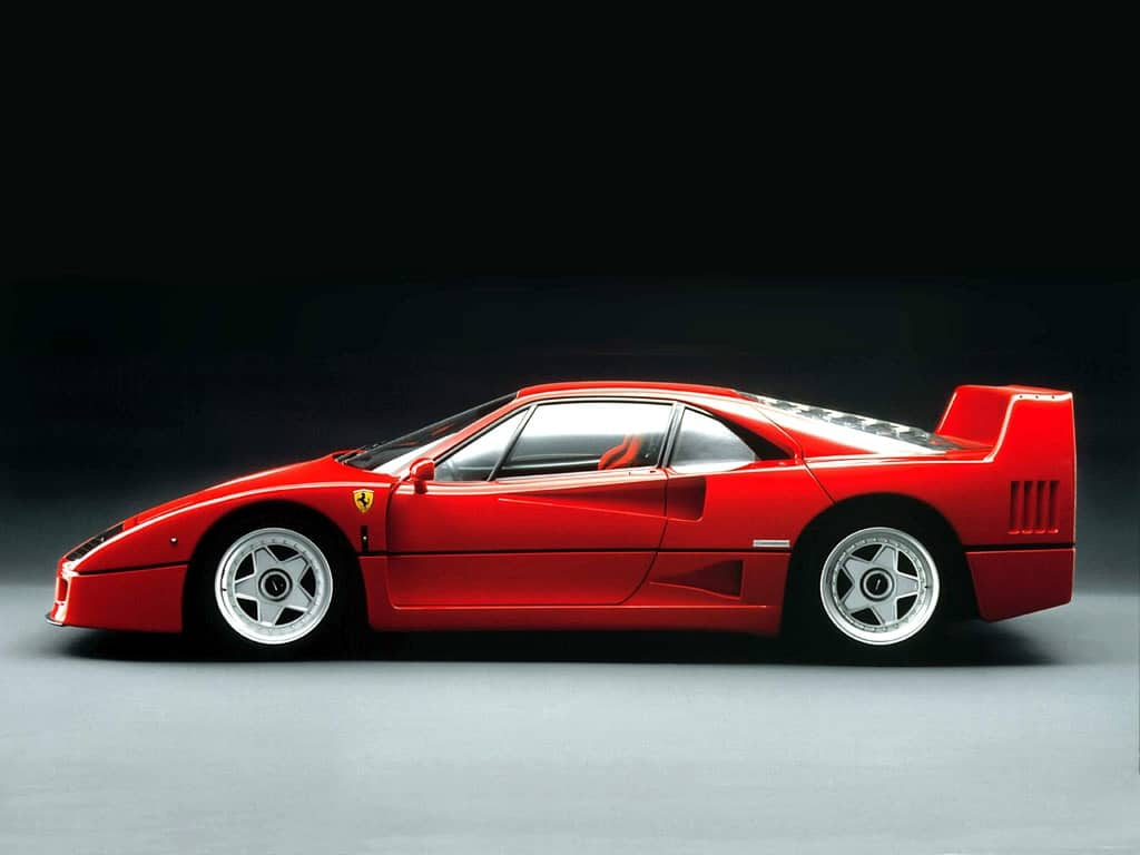 ferrari-f40-side-view
