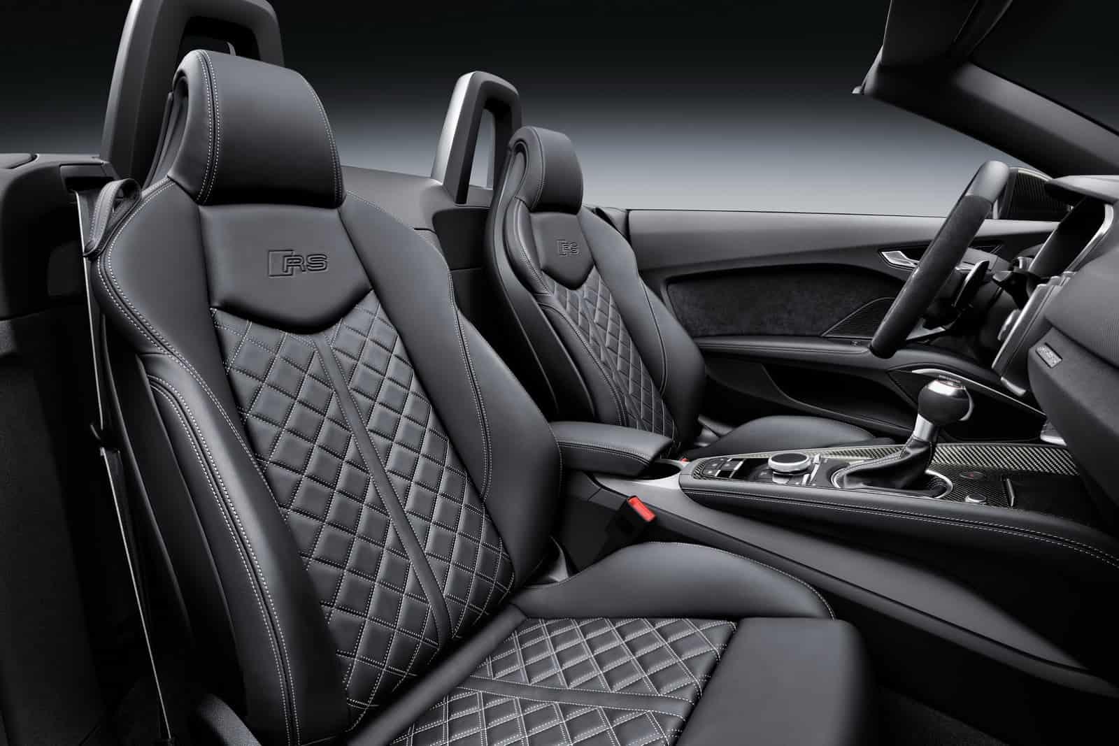 2017-Audi-TT-RS-Roadster-37
