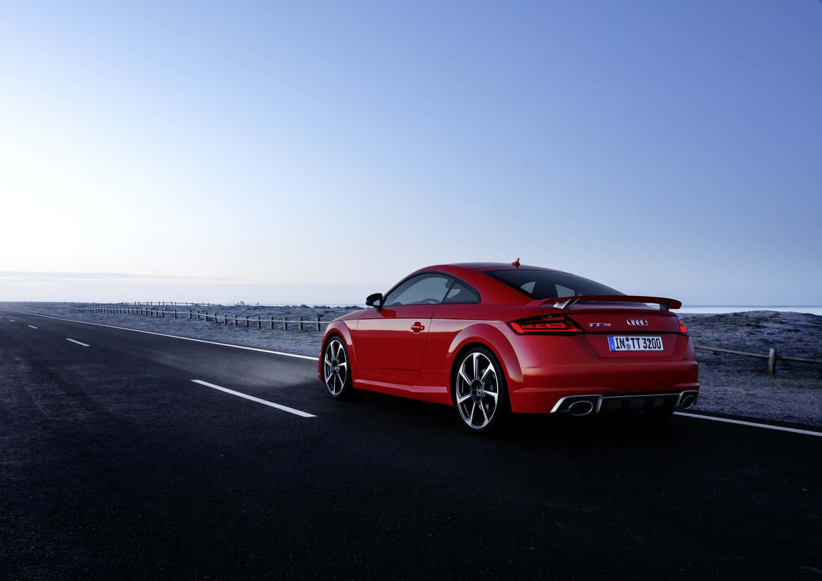 Audi-TT-RS-Coupe-14