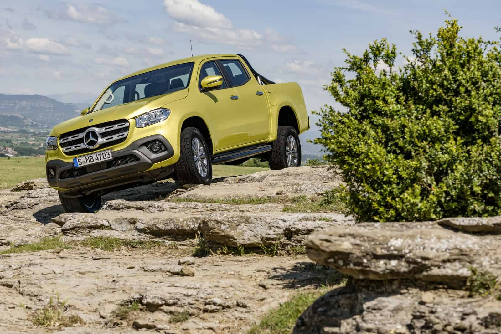 Mercedes-Benz X-Klasse – Exterieur, Limonitgelb metallic, Ausstattungslinie PROGRESSIVE  Mercedes-Benz X-Class – Exterior, limonite yellow metallic, design and equipment line PROGRESSIVE